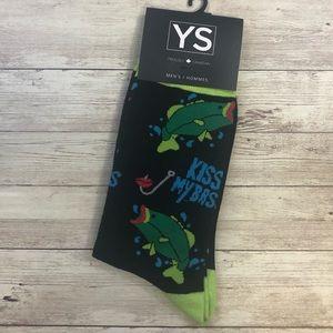 3️⃣/$20 🧦- Kiss my Bass men's socks 🎣
